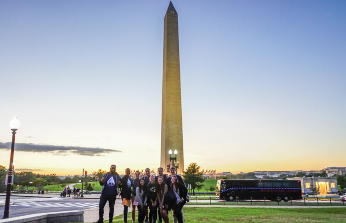 Interns-in-DC-in-Front-of-Washington-Monument